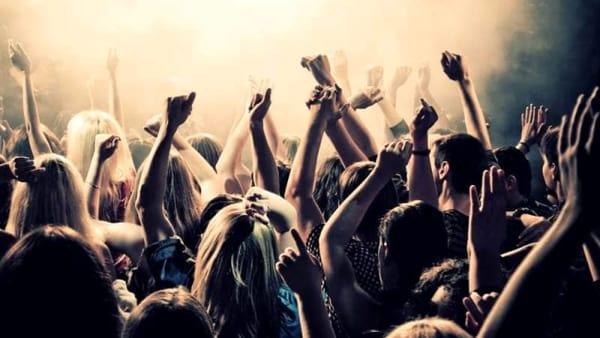 La notte di Ferragosto a La Punta Beach Club, musica e divertimento
