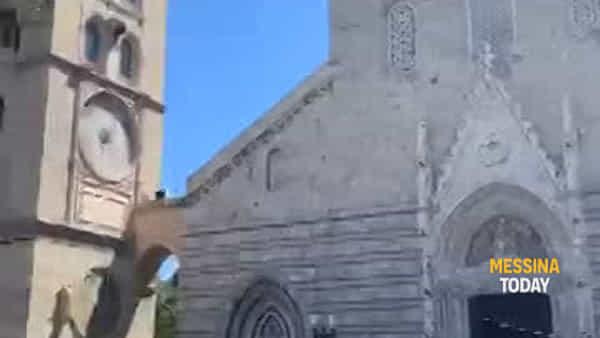 """VIDEO   L'addio a Milena """"Selvaggia"""" in piazza Duomo, biker schierati per l'ultimo commovente saluto"""