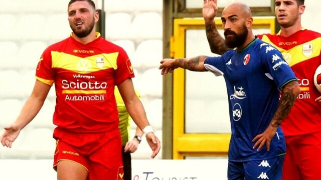 Serie C, the leaders Bari does not grant discounts to Messina thumbnail