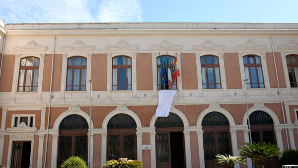 two refugees welcomed in Messina thumbnail