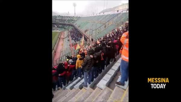 Sconfitti in campo, ma campioni sugli spalti: i cori dei tifosi durante il derby con il Palermo