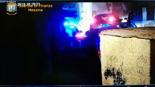 """""""Festa in maschera"""" con droga tra Sicilia e Calabria, fermata organizzazione vicina al clan Galli di Giostra"""