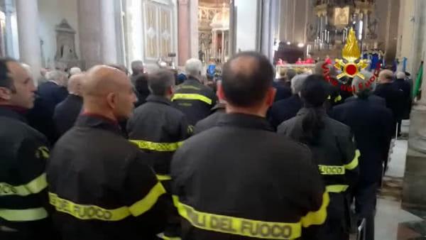 Vigili del fuoco, messa in cattedrale per celebrare Santa Barbara