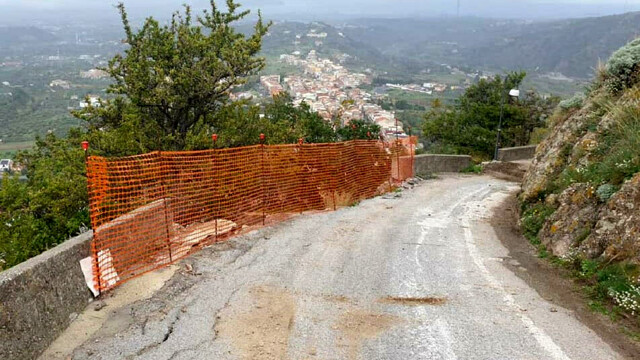 Hydrogeological instability in Santa Lucia del Mela, the consolidation of via Palombello is completed thumbnail