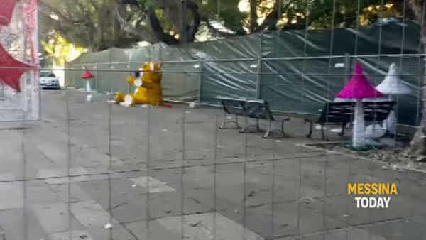 Piazza Cairoli in trasformazione per le feste di Natale