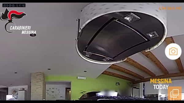 Ladri in azione in un appartamento: il video del furto