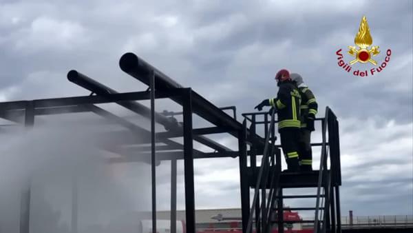 Raffineria di Milazzo, vigili del fuoco e personale antincendio privato per una prova di addestramento