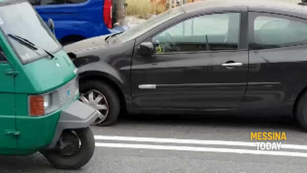 VIDEO | Incidente sulla statale Tremestieri, impattano auto e moto: due i feriti