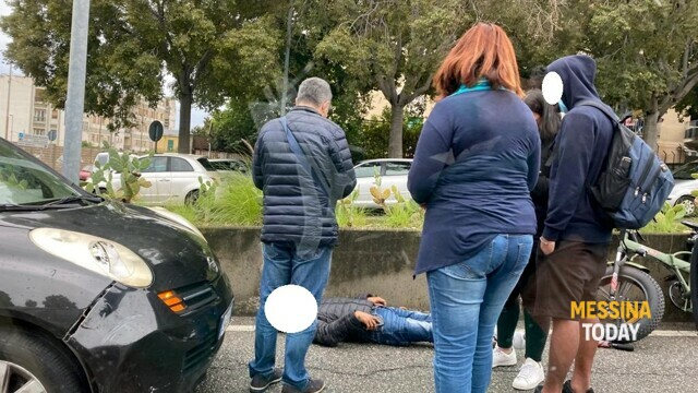 Accident in viale Annunziata, cyclist hit by a car and transported to hospital thumbnail