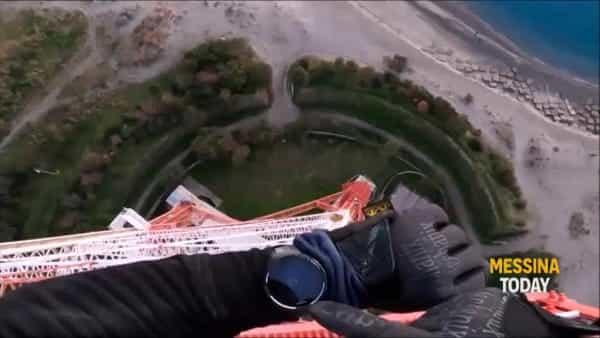 Scala il pilone a mani nude, l'impresa da brividi di un climber polacco VIDEO